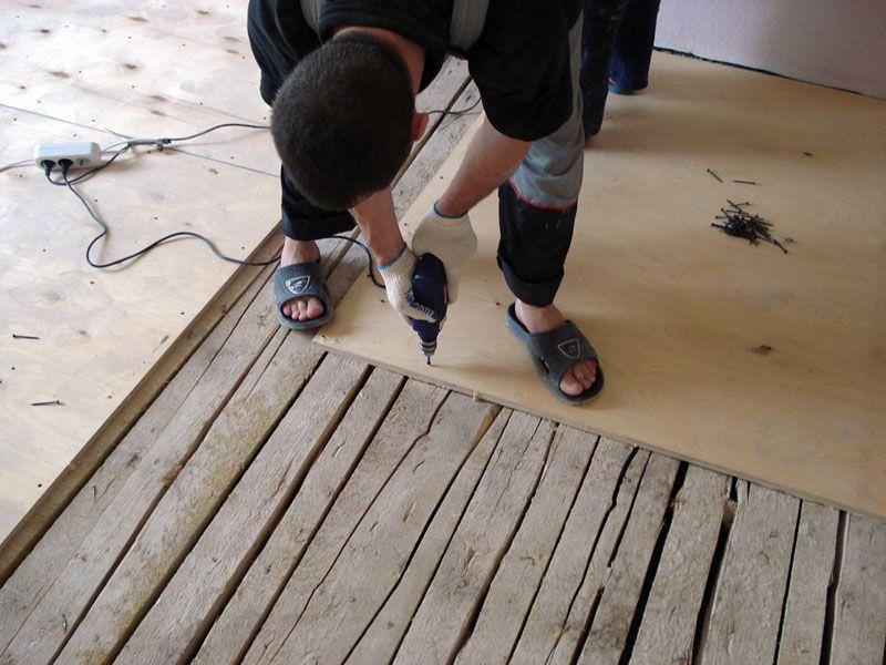 Залить стяжку на деревянный пол не всегда возможно
