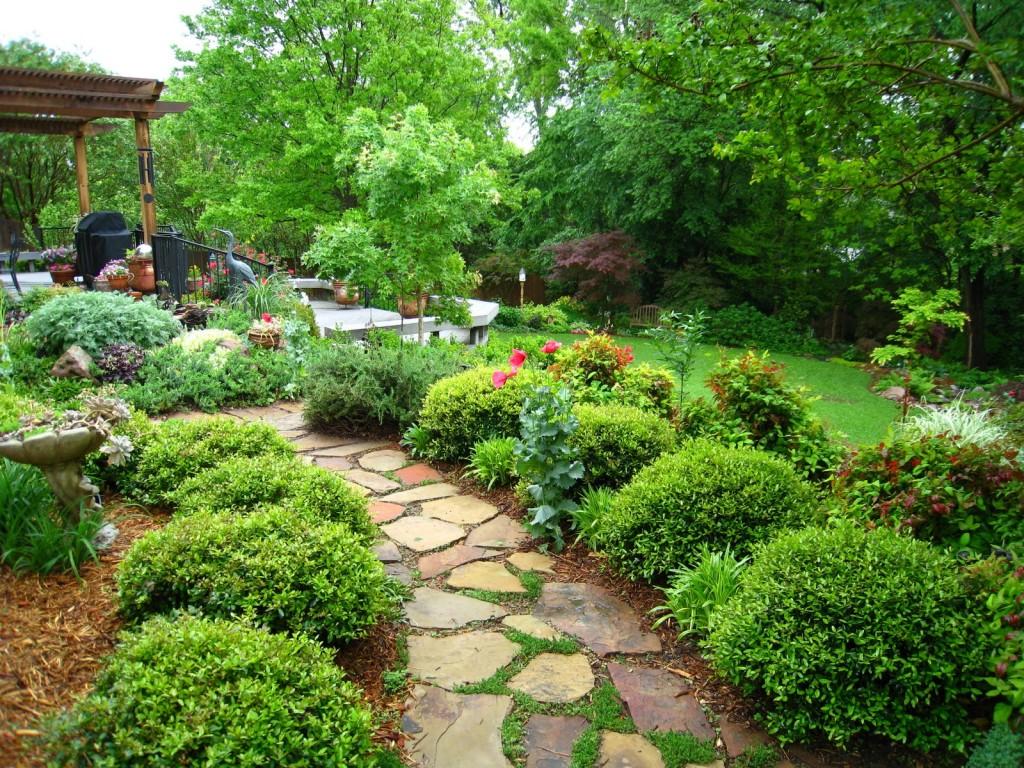 Сад в японском стиле в большенстве