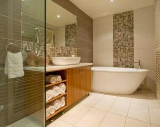 Как спрятать трубы в ванной: обзор вариантов