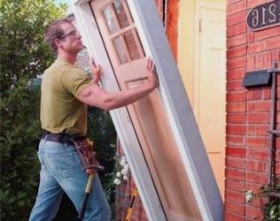 Как установить дверную коробку своими руками